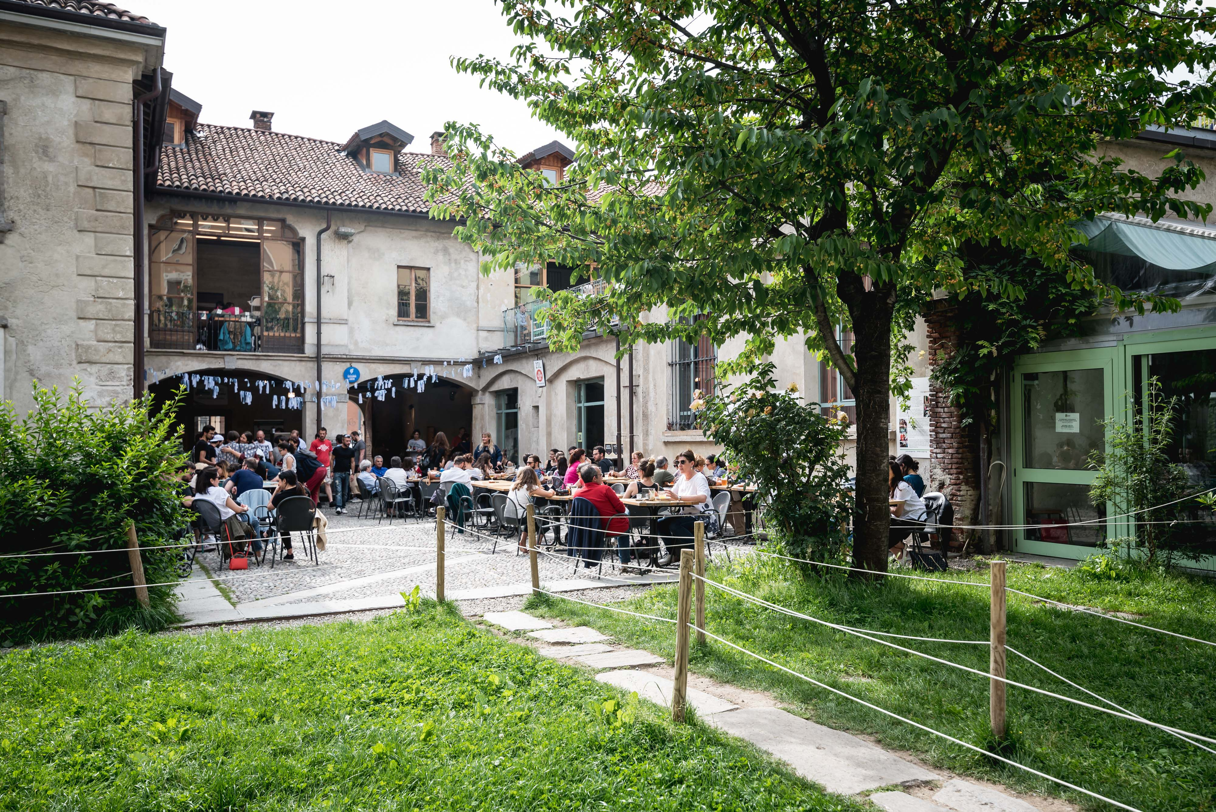 Galleria un posto a milano for La cascina cuccagna milano